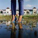 (WAB.COM) Very high heels 1
