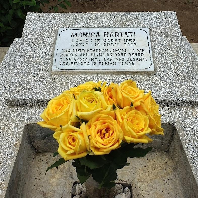 Ziarah ke Makam Mamah 15, 4 Oktober 2011