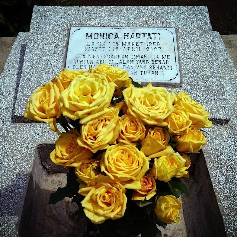 Ziarah ke Makam Mamah 17, 13 Januari 2012